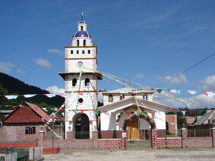 Pueblo San Antonio Tierras Blancas, en Michoacán, México. Image Cortesía de INBA