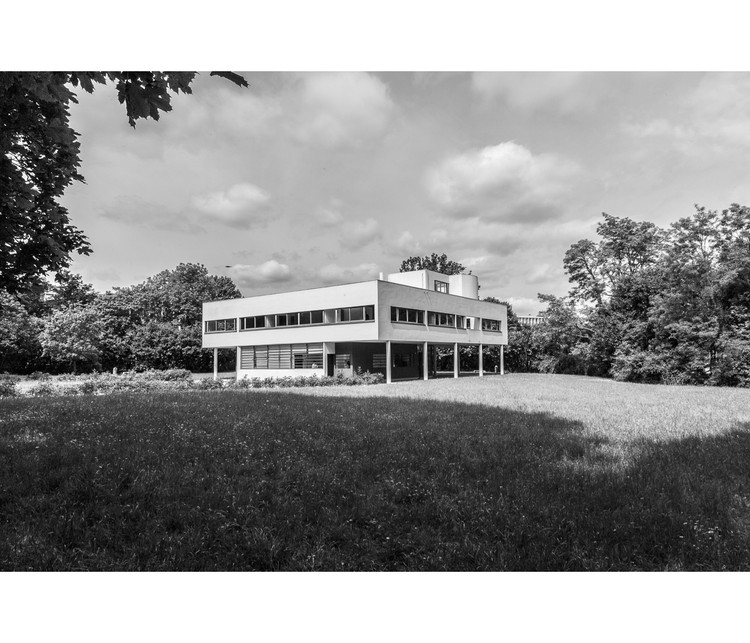 La Villa Savoye bajo el lente de Angel Fernandez luego de ser nombrada Patrimonio de la Humanidad de la UNESCO, © Angel Fernandez