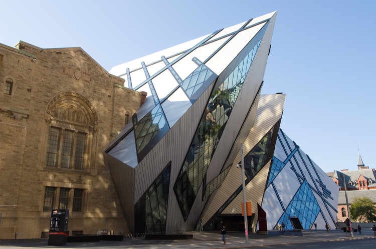 Standing Out or Fitting In? How Do Architects Approach Their Context, The Royal Ontario Museum extension by Daniel Libeskind, image by The City of Toronto. Image via 99% Invisible