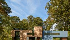 Mohican Hills House / Robert M. Gurney