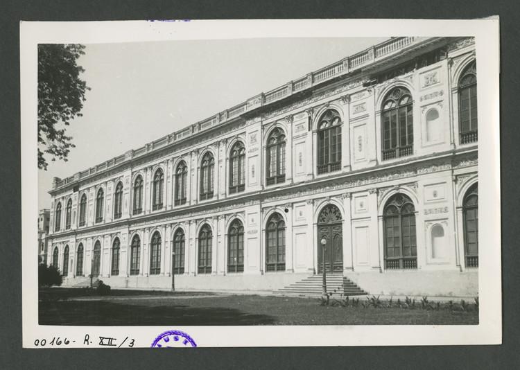 Palacio de la Exposición, fachada oeste. 1960. Foto Neumann. Image © Archi. Archivo Digital de Arte Peruano