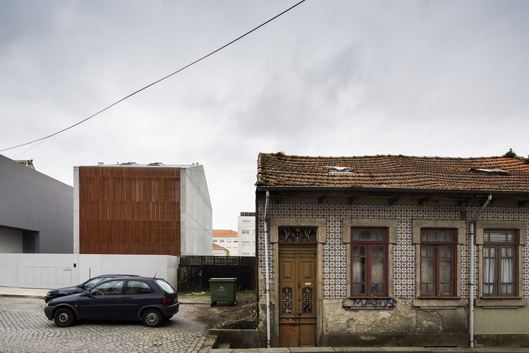 © Nelson Garrido