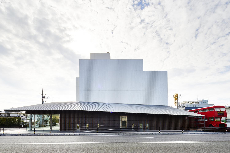 Umeda Hospital / Kengo Kuma & Associates