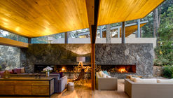 Five Houses / Weber Arquitectos