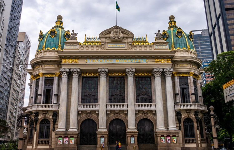 Rio Municipal Theater. ImageImage © <a href='https://www.flickr.com/photos/gameoflight/13084341645/in/photolist-kWfhuy-kWdM16-kWdEVk-kWfo5b'>Flickr user gameoflight</a> licensed under <a href='https://creativecommons.org/licenses/by-nc-sa/2.0/'>CC BY-NC-SA 2.0</a>