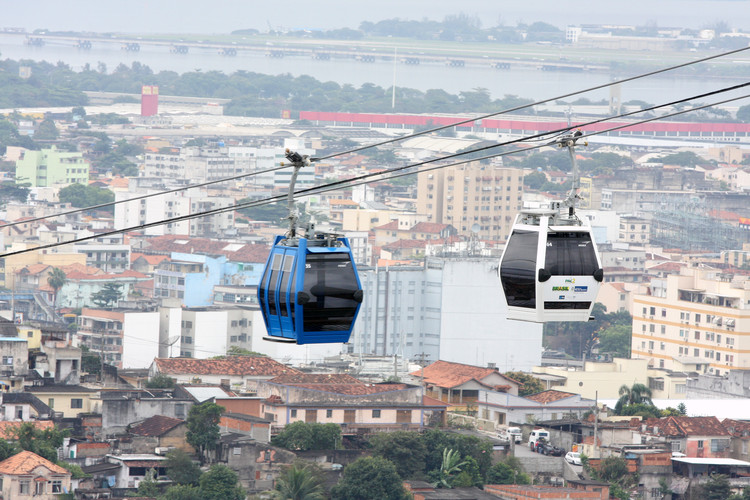 Teleferico do Complexo do Alemão. ImageImage © <a href='https://www.flickr.com/photos/pacgov/5974151055'>Flickr user pacgov</a> licensed under <a href='https://creativecommons.org/licenses/by-nc-sa/2.0/'>CC BY-NC-ND 2.0</a>