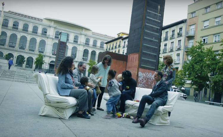 'Bancos para compartir', el nuevo mobiliario urbano escogido por Madrid para sus espacios públicos, vía Bancos para compartir [Difusión]