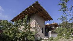 Nido de Tierra / Moro Taller de Arquitectura