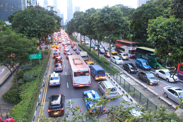 Traffic in Singapore. Image © Flickr User Lynac. License CC BY-NC 2.0