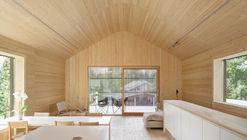House H : a' House / Hirvilammi Architects