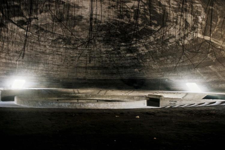 Interior del teatro cerrado. Image © Anthony Saroufim