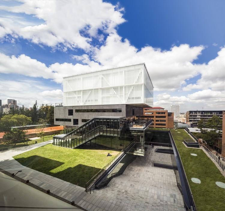 Facultad de Artes Pontificia Universidad Javeriana  / La Rotta Arquitectos , © Llanofotografia - Jairo Llano