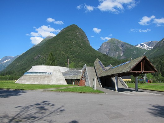 Norwegian Glacier Museum. Image © <a href='https://www.flickr.com/photos/boscdanjou/6040530144'>Flickr user boscdanjou</a> licensed under <a href='https://creativecommons.org/licenses/by/2.0/'>CC BY 2.0</a>