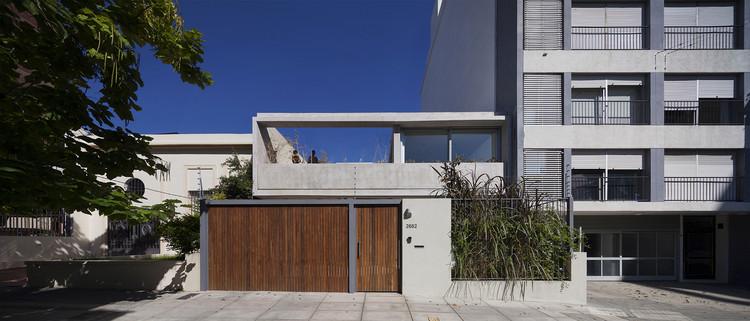 Casa en Calle Libertad  / Pedro Livni + Karin Bia, © Federico Cairoli