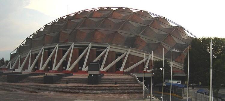 Palacio de los Deportes. Photo by Tortillovsky licensed under CC-BY-SA-3.0-migrated