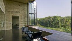 Studio Dwelling at Rajagiriya / Palinda Kannangara Architects