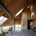 Eaves House  / mA-style architects