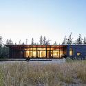Casa de Playa Lockeport / Nova Tayona Architects