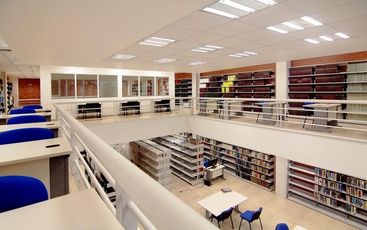 Biblioteca central uaem rec arquitectura plataforma for Biblioteca arquitectura