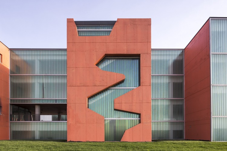 Gebze Industrial Vocational High School / Norm Mimarlik, © Altkat Architectural Photography