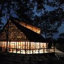 Ani Nii Shobo Lodge  / Sandra Iturriaga + Samuel Bravo