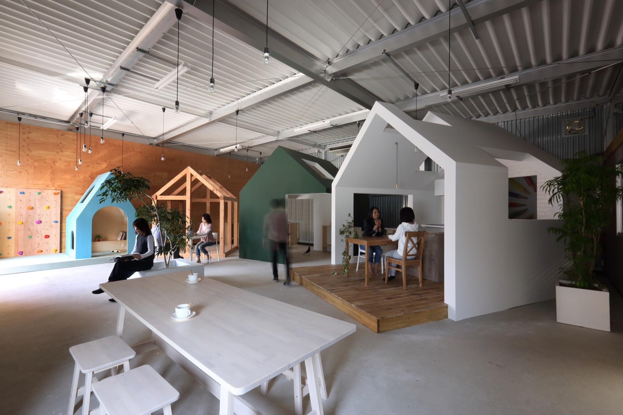 Kinder Garden: Omihihachiman-Workspace / ALTS Design Office