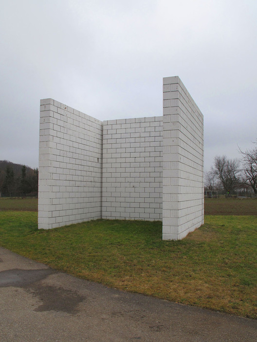 Sol LeWitt. Structure,1992. Por Kamahele (trabajo propio) [CC BY-SA 3.0]. Image © Wikimedia Commons