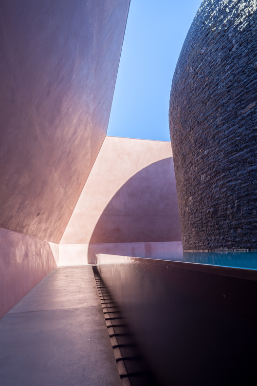 James Turrell. Within without, 2010. Image © Usuario Flickr: russellstreet bajo licencia [CC BY-NC 2.0]