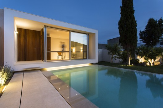 Swimming Pool and Studio  / Joan Miquel Segui + Tono Vila