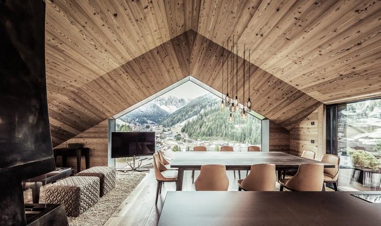Villa A / Perathoner Architects, © Arik Oberrauch