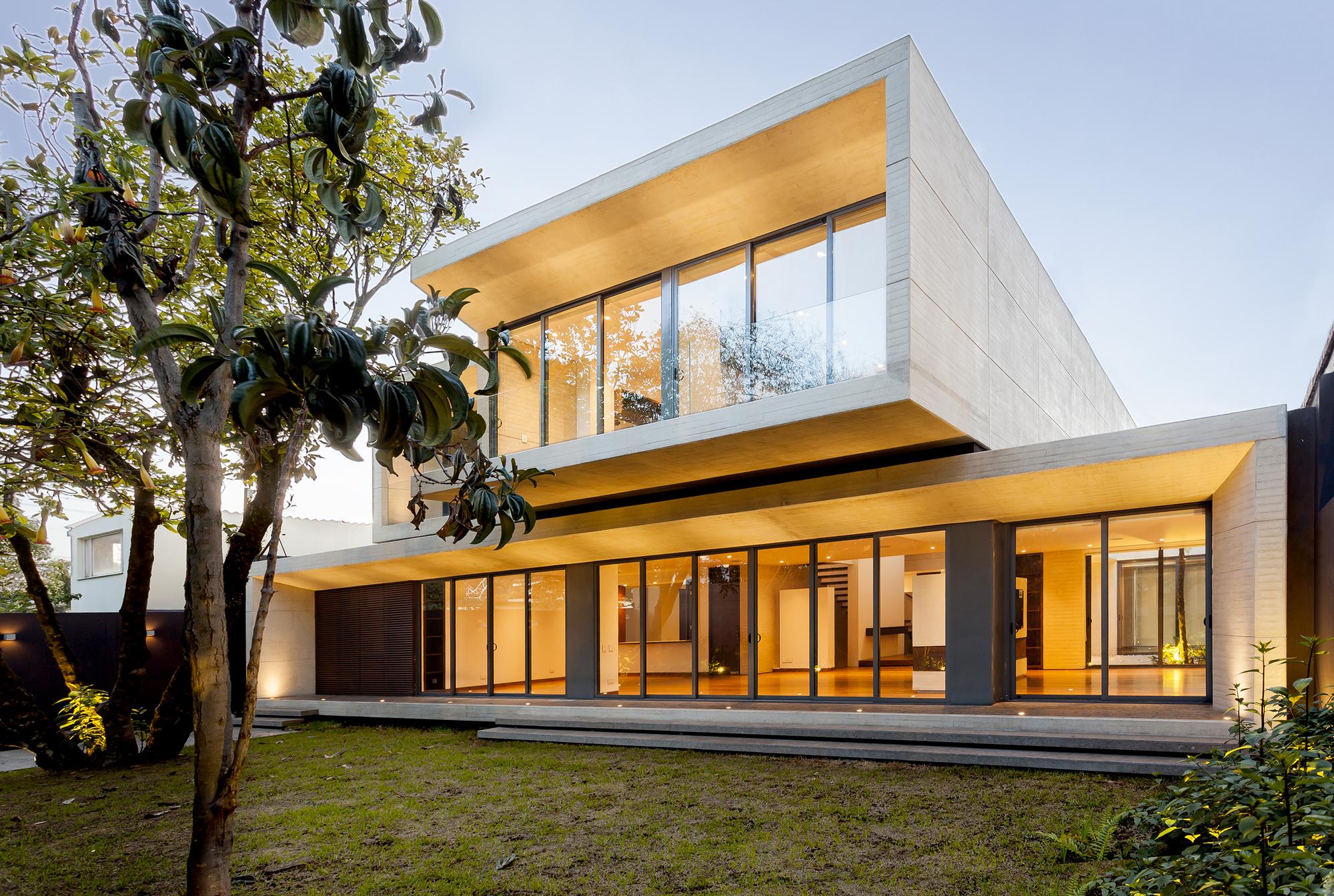 Galeria de casa mr h h arquitectos 2 for Casa de arquitectos