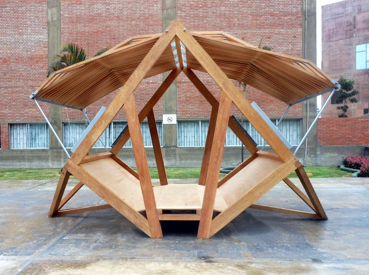 Pempén, a Transformable Module for the Peruvian Forest (Pontificia Universidad Católica del Perú). Image Courtesy of Pempén