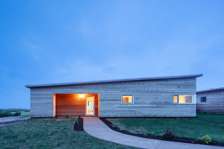 Cabot Links / Omar Gandhi Architect, © doublespace photography