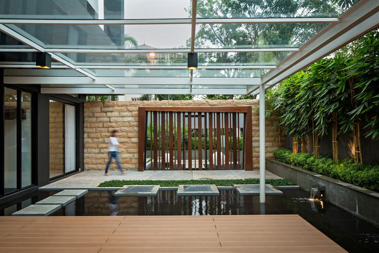 Casa S+I / DP+HS Architects, © Mario Wibowo