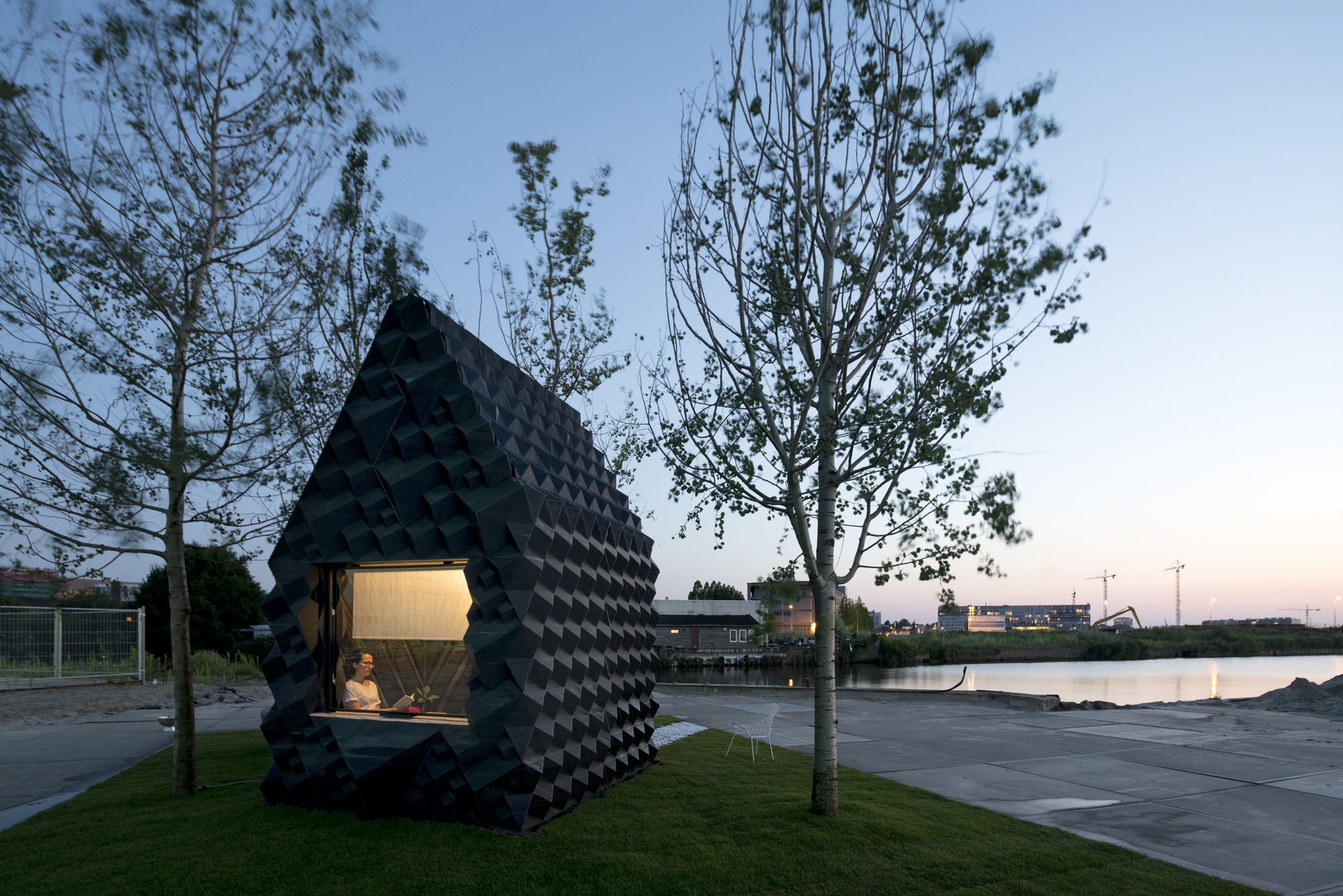 urban cabin dus architects archdaily. Black Bedroom Furniture Sets. Home Design Ideas