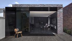 Casa Llewellyn / studioplusthree