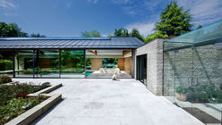 The Pool House / Re-Format