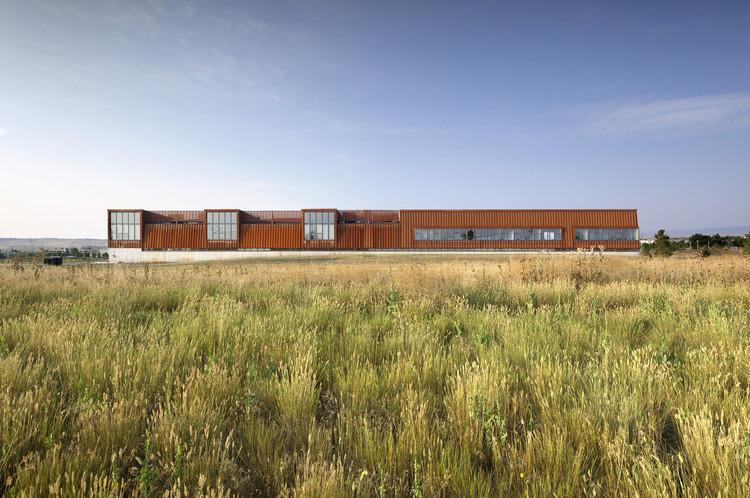 Pearl Izumi North American Headquarters / ZGF Architects. Image © Raul J. Garcia