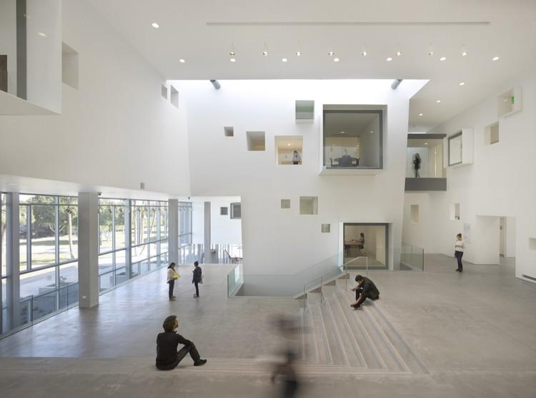 Centro de Excelencia en Competitividad y Emprendimiento, Cetys Universidad / Studiohuerta, © Roland Halbe