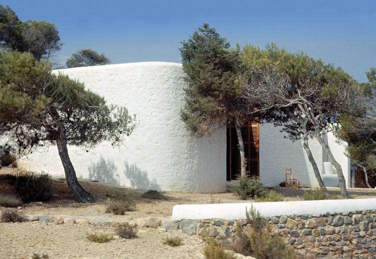 Single-family house in Ibiza, Ibiza, Spain, 1960. Image Courtesy of Ricardo Bofill