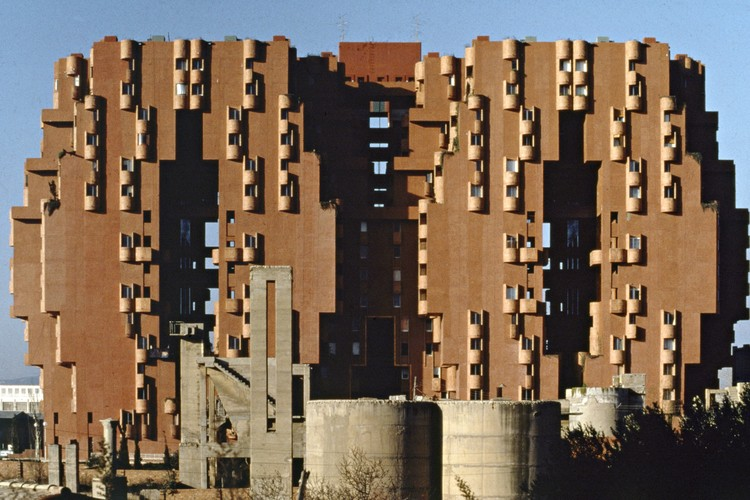 Walden-7, Sant Just Desvern, Barcelona, 1975. Image Courtesy of Ricardo Bofill