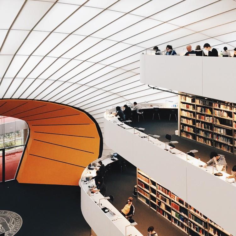 Biblioteca Freie Universität, Berlín. Imagen © Olivier Martel Savoie, @une_olive