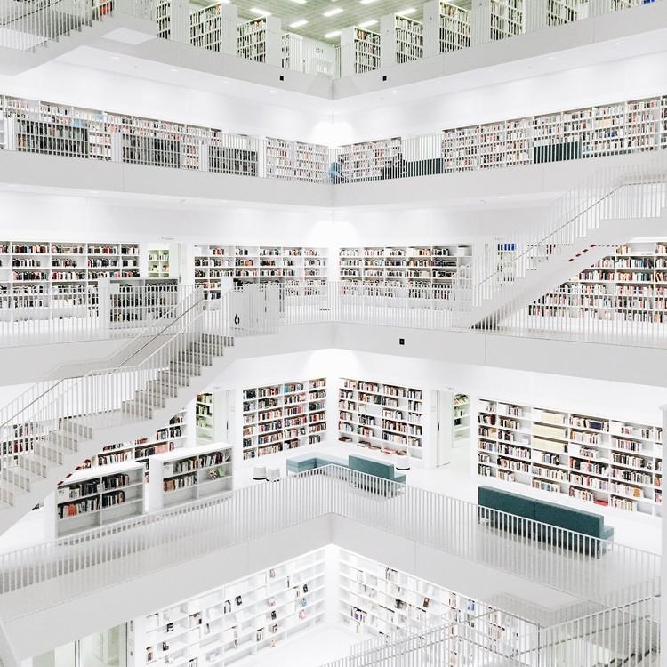 Biblioteca de Stuttgart. Imagen © Olivier Martel Savoie, @une_olive