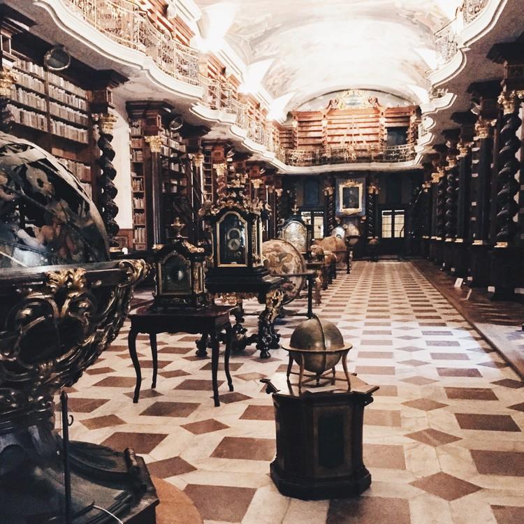 Biblioteca Klementinum, Praga. Imagen © Olivier Martel Savoie, @une_olive