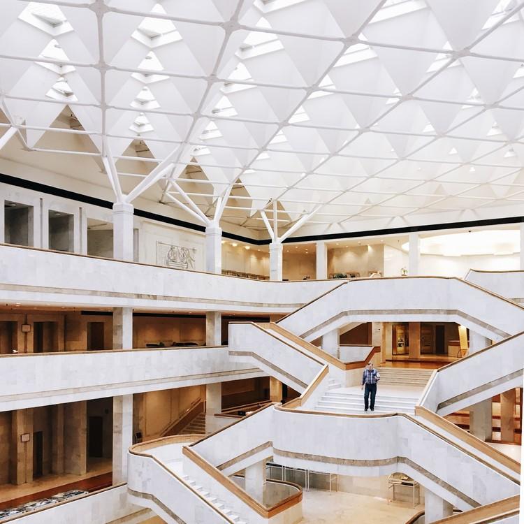 Biblioteca Nacional de Rusia, San Petersburgo. Imagen © Olivier Martel Savoie, @une_olive
