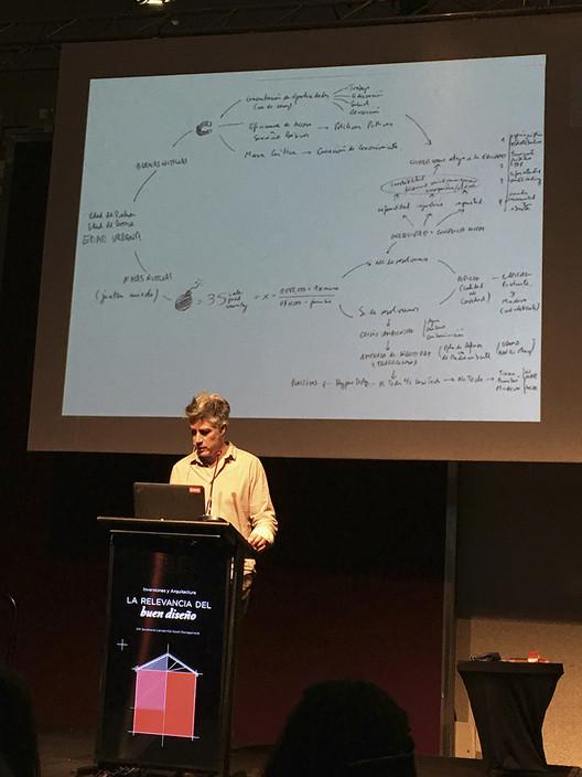 La ecuación de Aravena y la obra presentada por Elemental