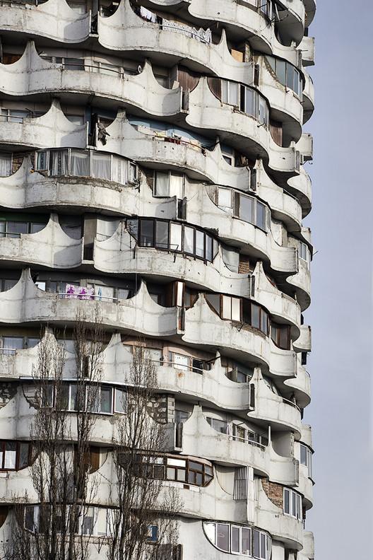 """Romanita"" o ""Romashka,"" vivienda colectiva con unidades unifamiliares, por Oleg Vronsky (1978-1986). Image © Roberto Conte"