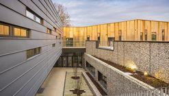 Escuela Bezons Angela Davis  / archi5 + Tecnova Architecture