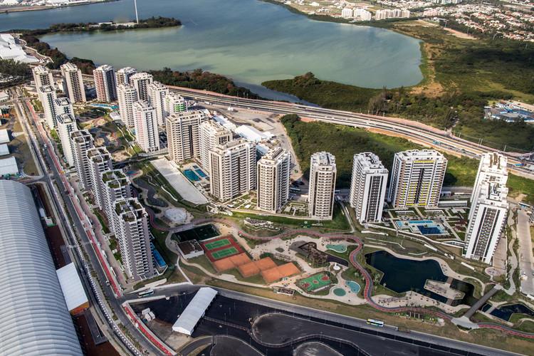 Villa Olímpica de los Juegos Olímpicos Río 2016. Image © Wikipedia User: Gabriel Heusi Licensed under CC BY-SA 3.0