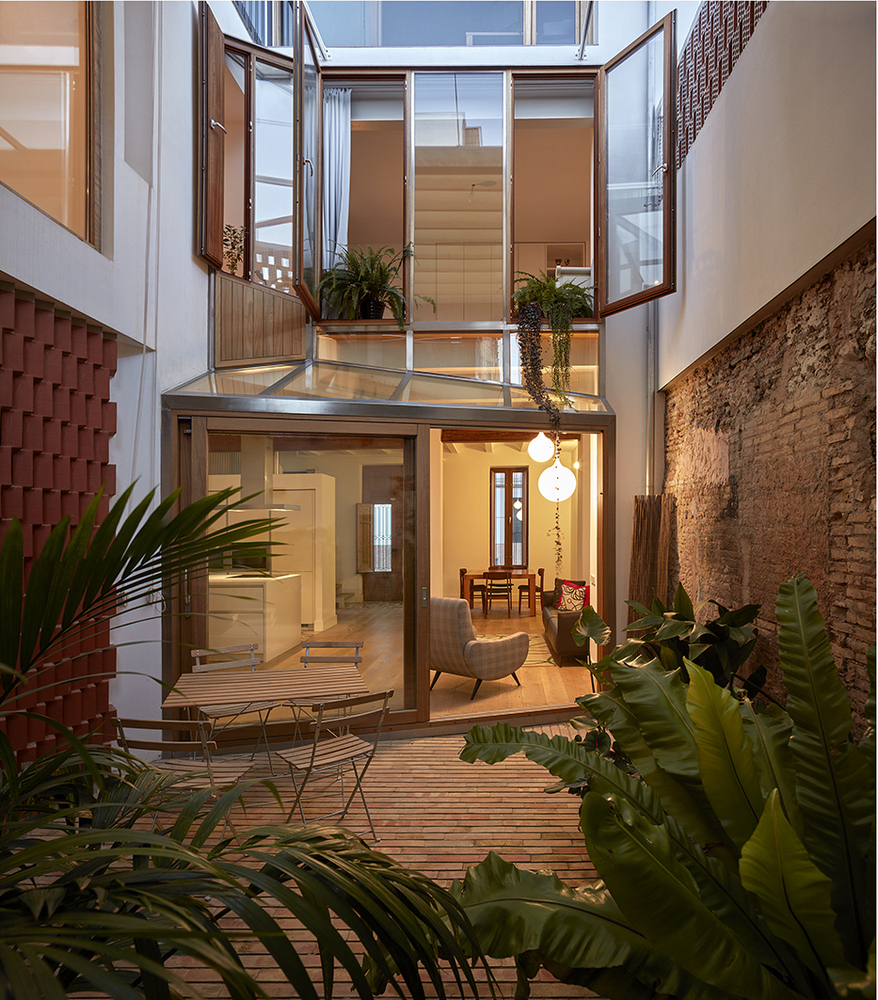 Courtyard Residence in Benimaclet / Gradolí & Sanz